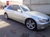 BREAKING LEXUS IS200 - ALL SPARES AVAILABLE - BUMPER? DOOR? ENGINE? ALLOYS? SEAT? WING? GEARBOX?
