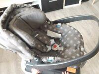 Mamas & Papas Car Seat 0-13 kg with Base