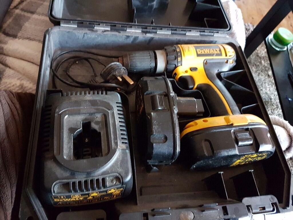 dewalt drill used. 18v dewalt drill used but good working order