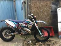 2009 KTM 125 EXC VERY CLEAN BIKE GREEN LAYING ONLY