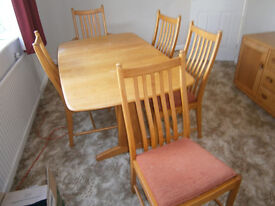 ERCOL EXTENDING TABLE & 6 CHAIRS 4+2 LIGHT FINISH IN YEOVIL