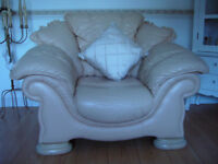 Top quality lounge furniture for sale.