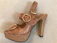 Brand new in box JLO tan leather chunky heels Uk 7
