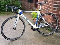 Giant tcr carbon fibre road bike