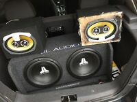 """3200watts. Double sub, two 3 way 6"""" speakers ad two amp"""