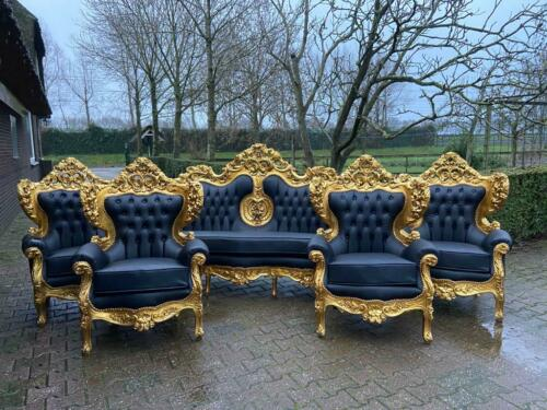 Italian style Baroque sofa with 4 chairs in black leather. 1920