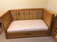 Mamas & Papas Ocean Cot bed