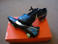 NEW WITH BOX NIKE SIZE 7.5 MERCURIAL VELOCE CR FG BRAND NEW £30