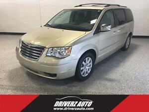 2010 Chrysler Town & Country Touring, Dual DVD System!!!