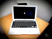 Apple MacBook Air 11-inch (2014) Intel Core i5 1.4Ghz 4GB 128GB SSD model BARGAIN PRICE!