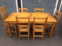 Lovely table and 4 chairs