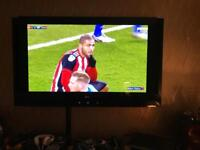 LG 50 inch tv with built in speakers great picture and quality sound