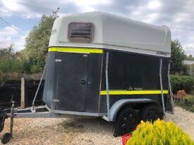 Horse trailer hire