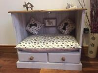 """CHIC"" Handmade Dog Bed"""