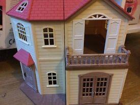 Sylvanian Families Maple Manor with Carport