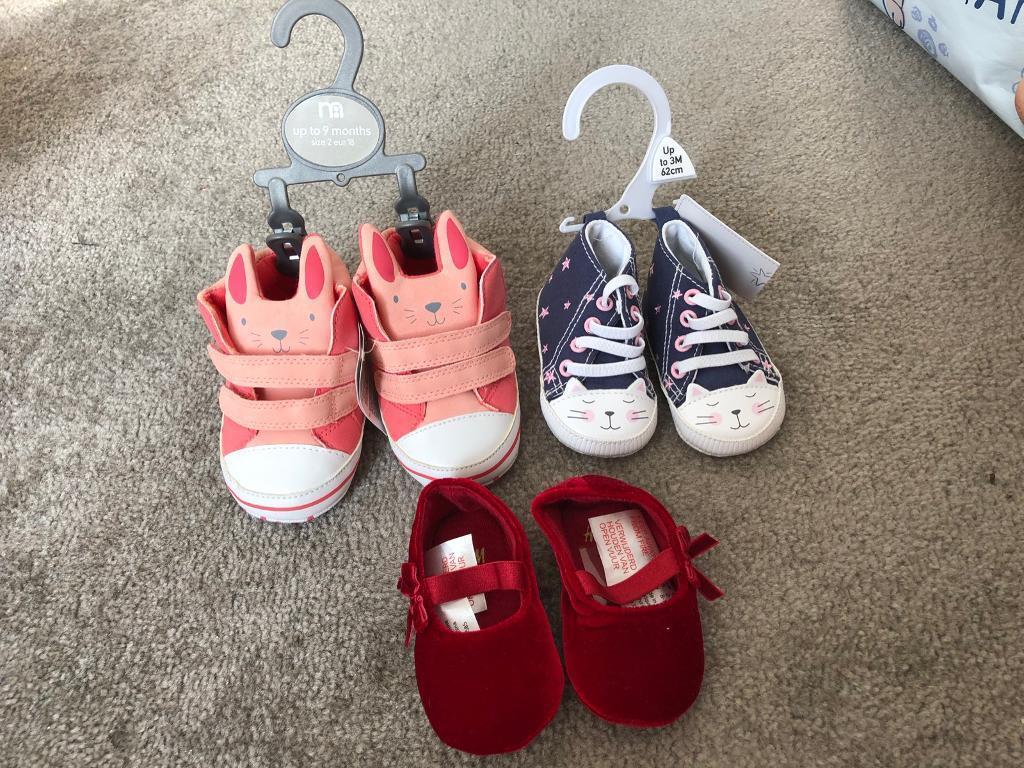 e62c357e4b5 Baby girl hats   shoes