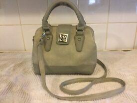 Small grey handbag in perfect condition