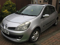 clio 1.4 dynamique 56-reg with panoramic electric sliding sunroof,,mot jan 2018