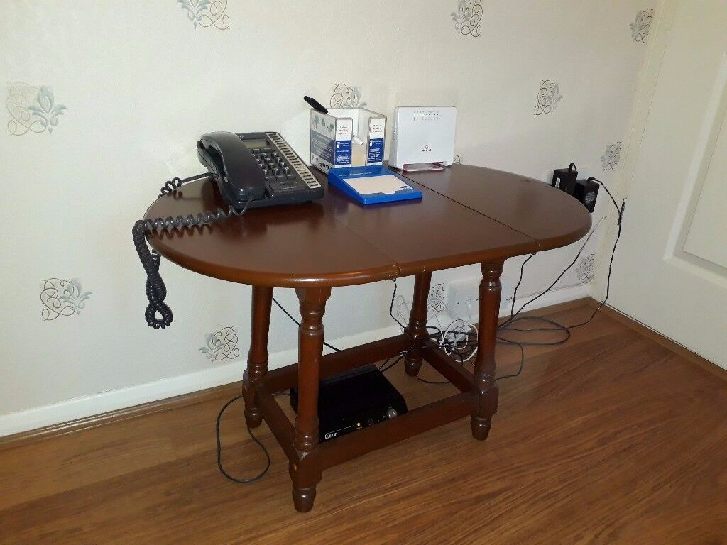Folding table (Dining table)