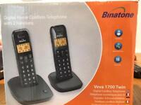 Cordless digital telephone with 2 handsets