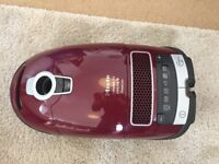 Miele Complete C3 Cat & Dog Vacuum cleaner *BROKEN*