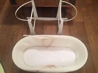 Schnuggle moses basket & stand
