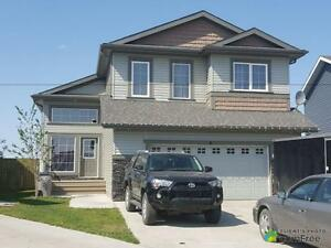 $399,900 - Split Level for sale in Calmar