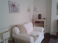 Large 2 double bedroom flat in purpose built block adjacent central Cardiff (including council tax)