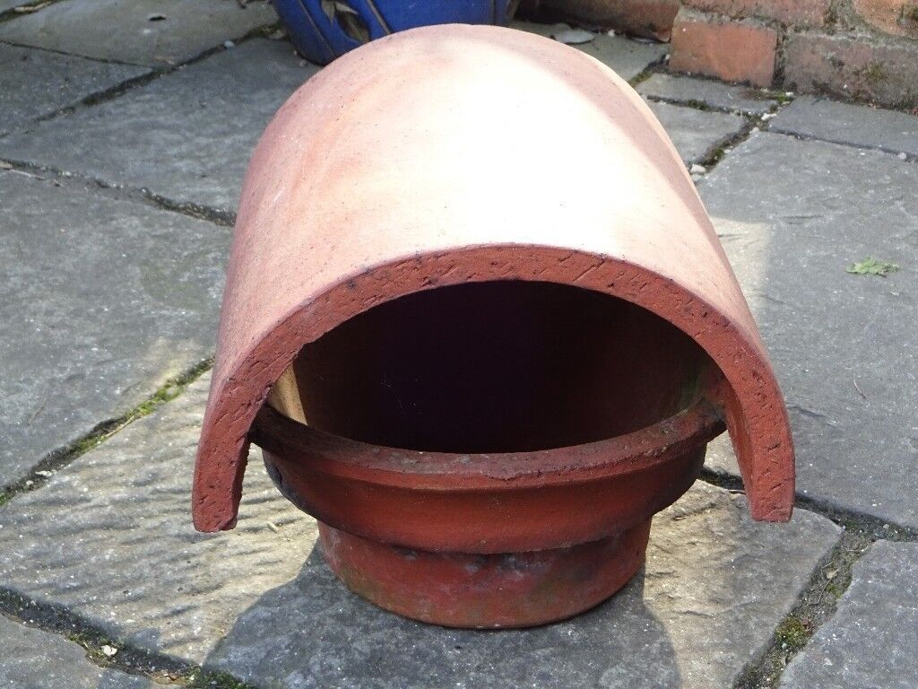 """TERRACOTTA CHIMNEY COWL/POT/COVER - 6"""" INTERNAL DIAMETER BASE, COVER IS 12.5"""" LONG - EXCELLENT COND"""