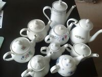 Teapots - assorted (with lids)