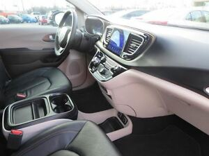 2017 Chrysler Pacifica Touring L London Ontario image 20