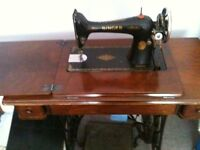 Singer sewing machine great working order serviced by professional