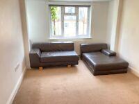 Converted 1st Floor 3 Bed Flat 2 Bath Shower Kitchen Separate Sitting Room VeryNearBusShopsTubeRail