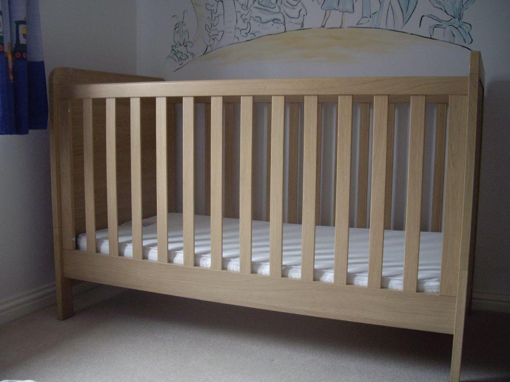 Mamas Papas Rialto Cot Bed Light Oak Free Mattress And Bottom