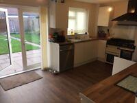 Double bedroom for rent in 3 bed detached house in Dunstal area. Clean, tidy, quiet