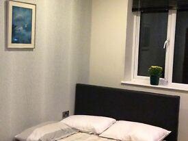 Double bedroom In Walton on Thames