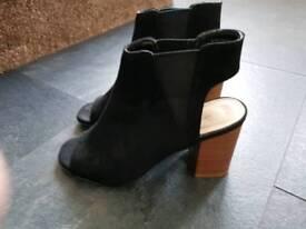 Shoe bundle plus coat