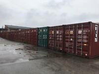To let Lock up containers / storage / shipping containers