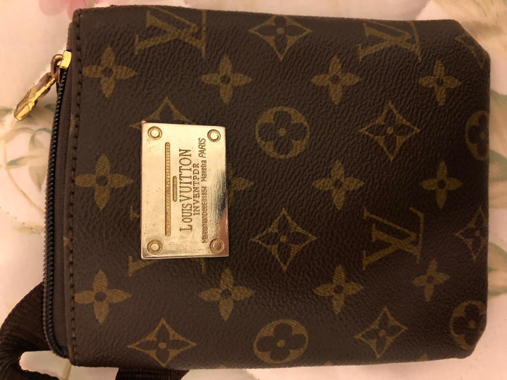 01d6a97df569 Louis Vuitton fanny pack side bag small