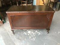 Beautiful antique oak blanket box on Queen Anne legs
