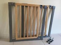 2 x Lindam Wooden Stair Gates