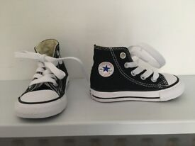 Converse All Star Trainers (UK Infant 4)
