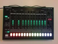 Roland TR-8 Drum Machine Rhythm Performer - PERFECT CONDITION