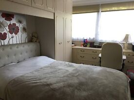 A cosy and specious double bed room to let immediately