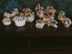 Collection of 19 Porcelaine Ornaments