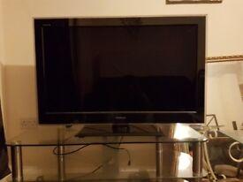 Toshiba Rezga 30 inch tv for sale