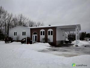 $279,900 - Bungalow for sale in Hawkesbury