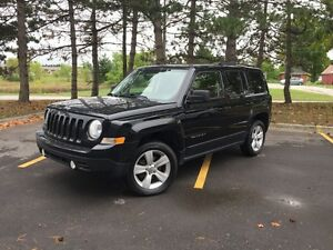 2014 Jeep Patriot NORTH EDITION - 4X4 - 1 OWNER OFF LEASE !!