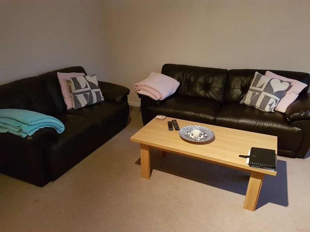 Dark Brown Mohagny Sofa Set