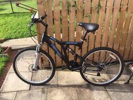 Male and Female Vertigo Cycles for sale + Thule Tow Bar Bike Carrier.
